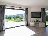Obývák - pohled z okna - Nečín - Žebrák