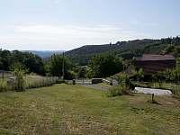 Pohled z terasy na východ - chata k pronajmutí Nečín - Žebrák