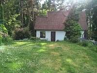 Chata Mačovice - ze zahrady