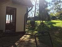 Pohled na zahradu - Mačovice