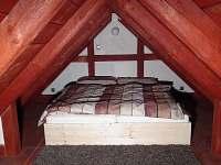 loft nad ložnicí