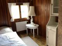 pokoj v přízemí - chata k pronájmu Říčany u Prahy