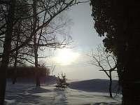 Pohled od chalupy v zimě - Velká Černoc