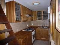 Kuchyně - chata k pronájmu Skuheř