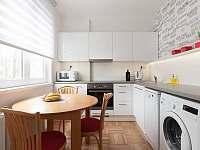 Kuchyň plně vybavená - apartmán k pronajmutí Praha 6
