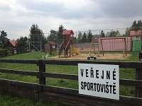 Dětské hřiště (500 m) - Březová-Oleško