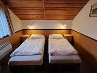Ložnice podkroví - chata k pronajmutí Březová-Oleško