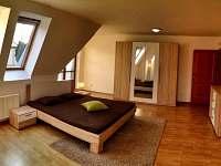 Praha 5 - rekreační dům k pronajmutí - 18