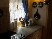 Kuchyňský kout - chata k pronájmu Zadní Třebaň