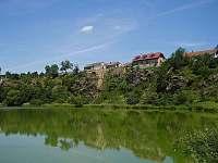 malé jezero poblíž - Bojanovice