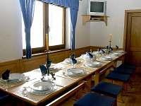Kuchyně-založená tabule pro 12 osob
