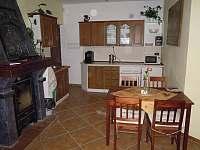 Kuchyňka s krbem
