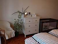 Dětská postýlka na vyžádání - apartmán k pronájmu Deštné v Orlických horách