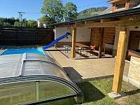 Bazén 5x3 metrů a Pergola - chalupa k pronajmutí Červená Voda