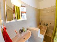 Koupelna - apartmán v přízemí