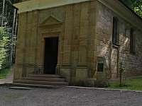 Horákova kaple cca 1,5km - Dolní Houžovec