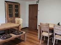 společenská místnost objektu - apartmán k pronajmutí Dolní Houžovec