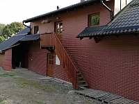 vstup do objektu - apartmán ubytování Dolní Houžovec