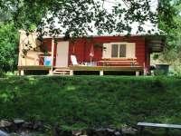 Chatka č.2 pohled z dětského hřiště - ubytování Olešnice v Orlických horách