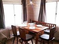 Jídelní stůl - chata k pronájmu Olešnice v Orlických horách