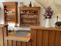 Společenská místnost/ kalírna - Deštné v Orlických horách