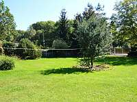 zahrada - chalupa k pronajmutí Kvasiny