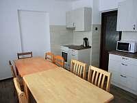 Kuchyň v prvním poschodí_ - chalupa k pronajmutí Heroltice u Štítů