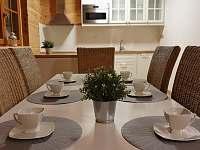Jídelní stůl - apartmán Adéla - Červená Voda - Dolní Orlice