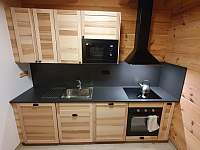 Apartmán Lukáš - kuchyňská linka - k pronajmutí Červená voda