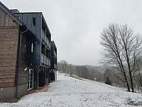Apartmánový dům od severu - Říčky v Orlických horách