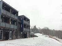 Apartmánový dům od západu - k pronajmutí Říčky v Orlických horách