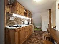 Kuchyň v podkroví - Zdobnice v Orlických horách