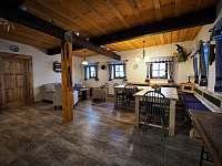 obytná kuchyň - pronájem chalupy Zdobnice v Orlických horách