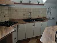 horní kuchyně - chalupa k pronájmu Verměřovice