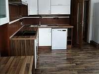 kuchyň přízemí - pronájem chalupy Verměřovice