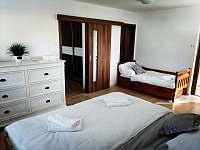 ložnice č.2 patro - chalupa k pronájmu Verměřovice