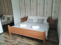 ložnice samostatná přízemí - chalupa k pronajmutí Verměřovice