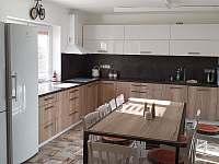 kuchyně s jídelnou - chalupa k pronájmu Prostřední Lipka