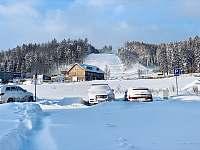 pohled od chaty na sjezdovku - k pronájmu Červená Voda - Buková Hora