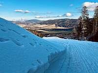 pohled ze sjezdovky do údolí - chata k pronajmutí Červená Voda - Buková Hora