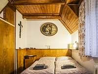 dvoulůžkový pokoj - chata k pronájmu Česká Čermná