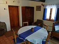 hlavní místnost - chalupa ubytování Čenkovice