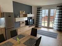 Obývací pokoj + kuchyňský kout, Apartmán Mařinka 201 - k pronajmutí Říčky v Orlických horách