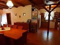 Jídelna s kuchyní v apartmánu č. 2 - Sudín