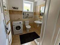 Koupelna - chalupa k pronajmutí Dolní Dobrouč