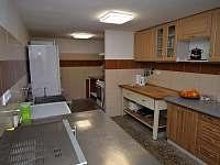 Kuchyň - chata k pronajmutí Deštné v Orlických horách