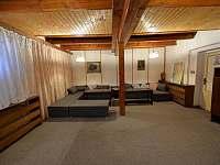 Společenská místnost - chata ubytování Deštné v Orlických horách