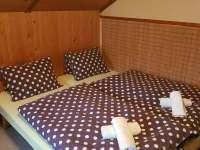 1.ložnice se 3 lůžky - chata ubytování České Petrovice