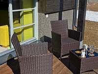 Apartmán 1+kk i 2+kk má samostatnou venkovní terasu s krásnými výhledy. - k pronájmu Říčky v Orlických horách
