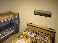 Apartmán 2+kk s ložnicí a pohodlnou manželskou postelí a palandou. - pronájem Říčky v Orlických horách